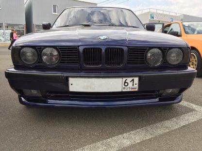BMW 5 E34 с репликой накладки M-Tech